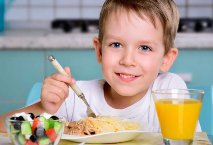 Çocukların ve ergenlerin beslenmesinde dikkat edilmesi gerekenler